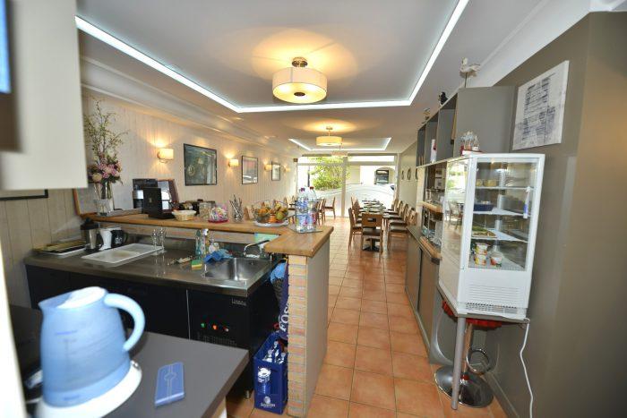 hotel-concarneau-petit-dejeuner-001